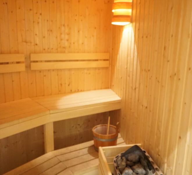 Sauna-2-683x1024
